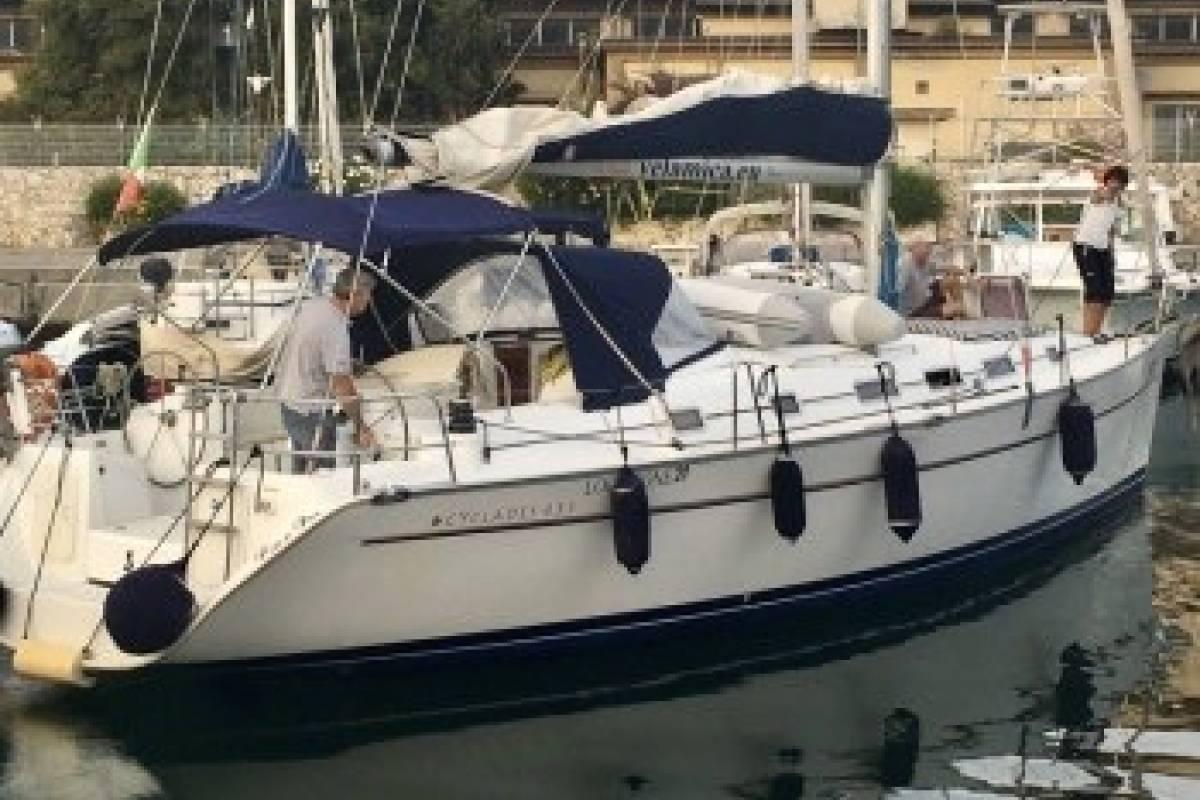 Beneteau Cyclades 43 Velamica Noleggio