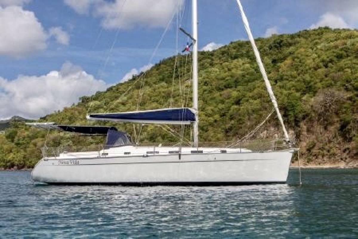 Beneteau Cyclades 43 Velamica Noleggio Cinque Terre