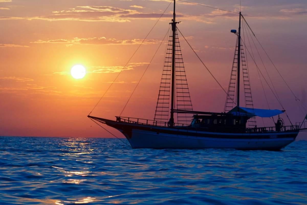 La Goletta Velamica Charter Nautico Noleggio imbarcazioni