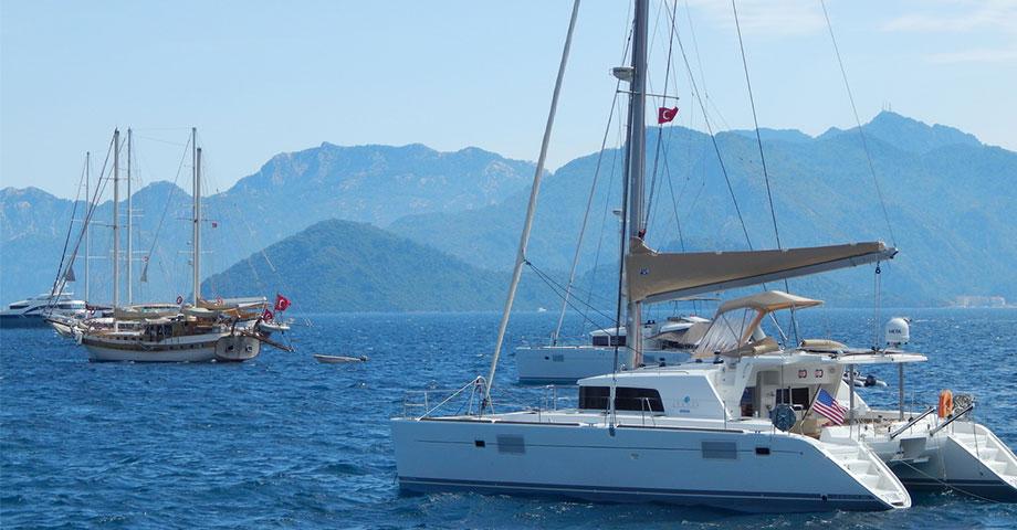 Noleggio Catamarani Golfo del Poeti Velamica Charter Nautico